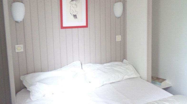Bedroom with double bed chalet 2 to 4 persons