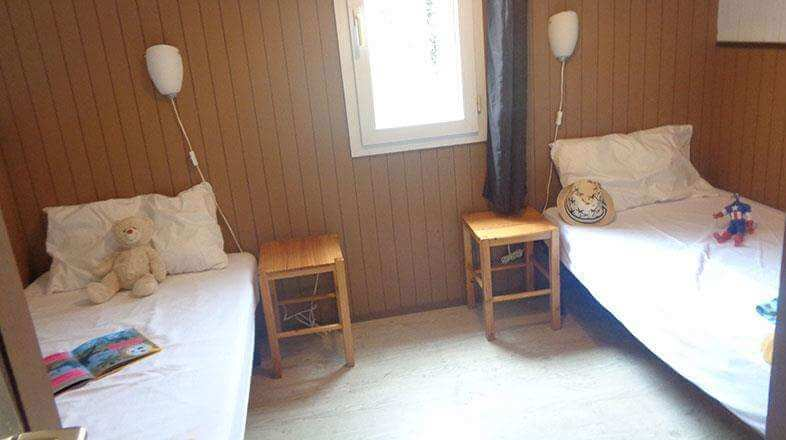 Bedroom with single beds chalet 4 to 6 persons
