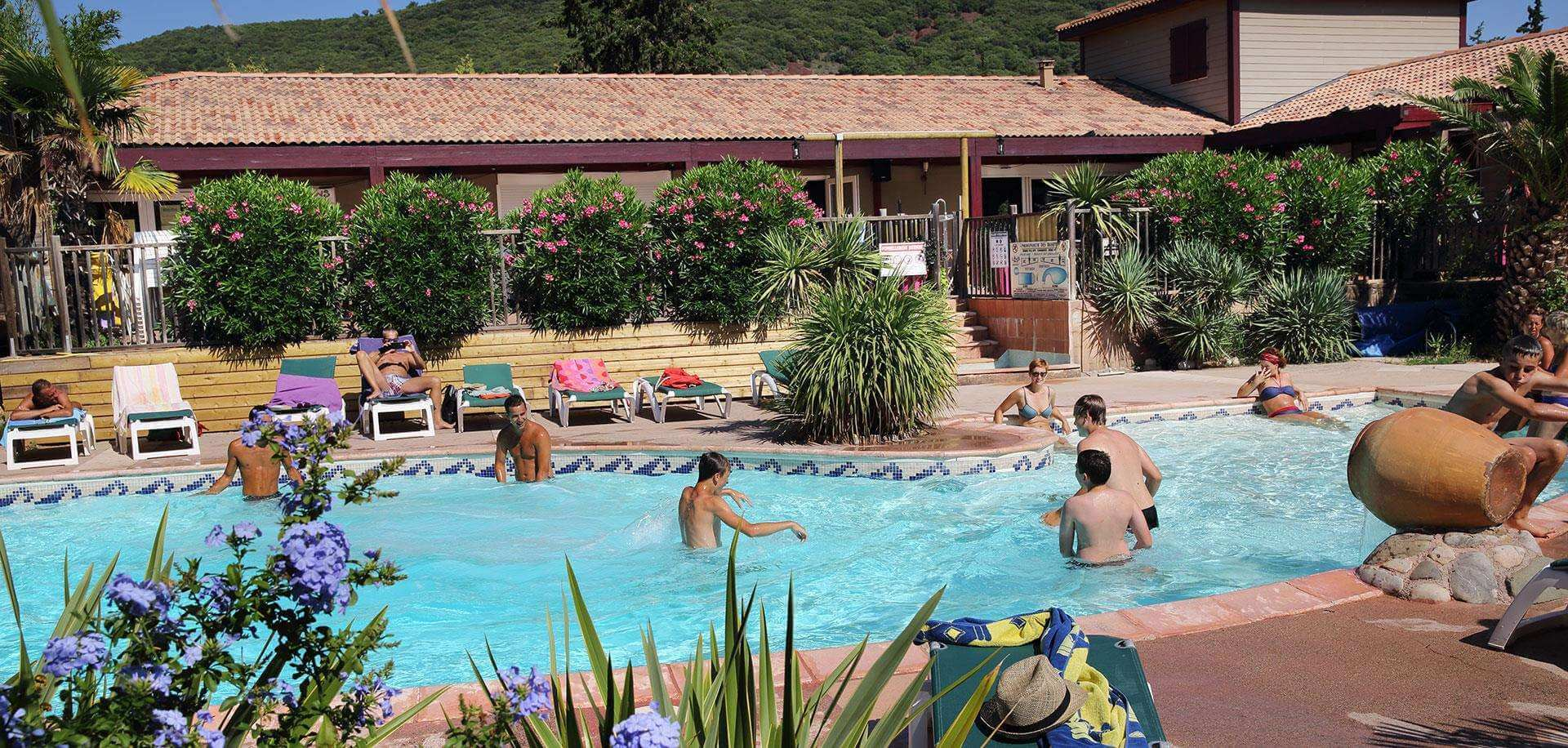 The Relais du Salagou Holiday Village swimming pool